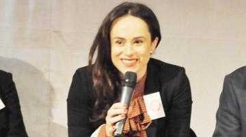 Promovarea femeilor în politică şi administraţie, obiectiv prioritar pentru Simona Bucura-Oprescu 4