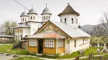 Bisericile de lemn  din Drăganu şi Pietroşani, două monumente istorice de referinţă pentru zona Munteniei 7