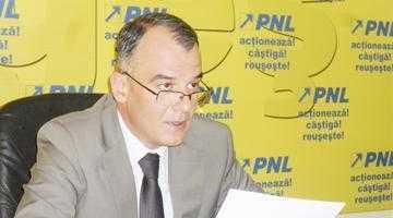Senatorul Iani Popa l-a interpelat pe ministrul Transporturilor pe tema vulnerabilităţii autostrăzii Bucureşti-Piteşti în caz de ninsori 6