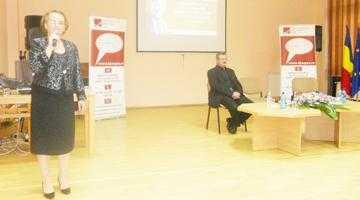 Silviu Deaconescu a susţinut  o prelegere despre omul George Enescu la Biblioteca Judeţeană Argeş 7