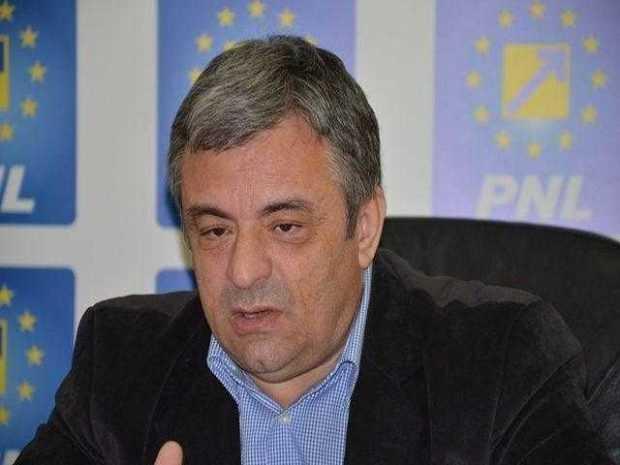 """Adrian Miuţescu: """"Varianta 4 e o diversiune, ca să nu se facă autostrada Piteşti-Sibiu"""" 6"""