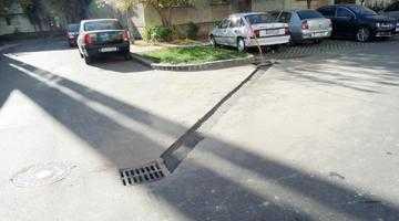 Primăria Piteşti s-a apucat să pună canalizări la platformele de gunoi după editorialul din Jurnalul de Argeş 6