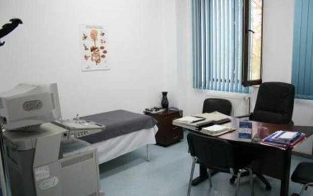 Cinci cabinete medicale sparte, la Costeşti 5