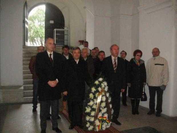 Liberalii argeşeni au comemorat 88 de ani de la moartea lui Ion I.C. Brătianu 4