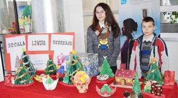 """Elevii şi cadrele didactice de la Şcoala Gimnazială """"Liviu Rebreanu"""" au donat pentru semenii lor 6"""
