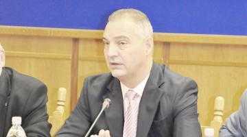 Din cauza codurilor de etică pentru membrii de partid, PSD şi PNL pot să rămână fără candidaţi în Argeş 6