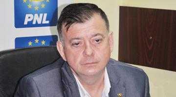 Din cauza codurilor de etică pentru membrii de partid, PSD şi PNL pot să rămână fără candidaţi în Argeş 7