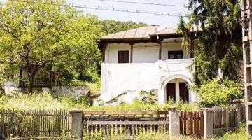Retrocedată familiei Erbaşu, Casa Memorială Liviu Rebreanu a ajuns o ruină 2