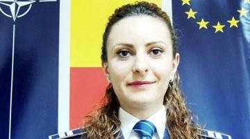 """Păruială pe un băiat la Liceul """"Iulia Zamfirescu"""" din Mioveni, o elevă de 17 ani i-a spart unei colege mandibula 4"""