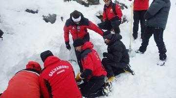 Curs de antrenament  pentru avalanşe, la cota 2000 în Munţii Făgăraş 2