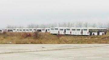 Autobuzele puse sub sechestru aşteaptă verdictul în dosarul Publitrans lângă groapa de gunoi 5