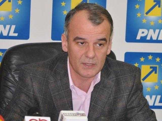 Iani Popa - preşedinte unic al PNL Argeş, Dănuţ Bica - secund 5