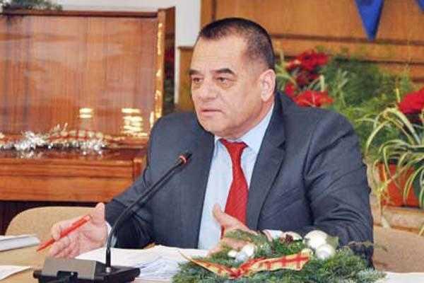 """Cornel Ionică: """"Piteştiul are nevoie de 35.000 de locuri de parcare"""" 5"""