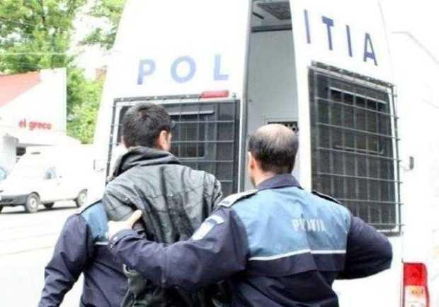 Patron reținut pentru evaziune fiscală de peste 800.000 de euro 6