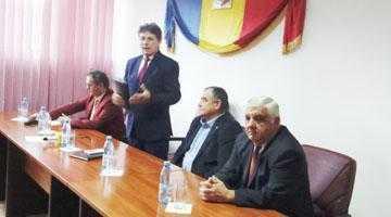 Primarul Ion Gârleanu  a făcut analiza activităţilor desfăşurate de către Primăria Bogaţi în 2015 6