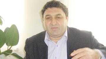 Primarul Ţâroiu se dă la fund 5