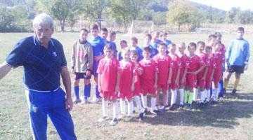 """A renăscut Şcoala de Fotbal  """"Gică Retevoescu"""" 3"""