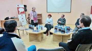 """Elena Eşanu Şerbănescu, debut literar la Biblioteca Judeţeană """"Dinicu Golescu"""" 7"""
