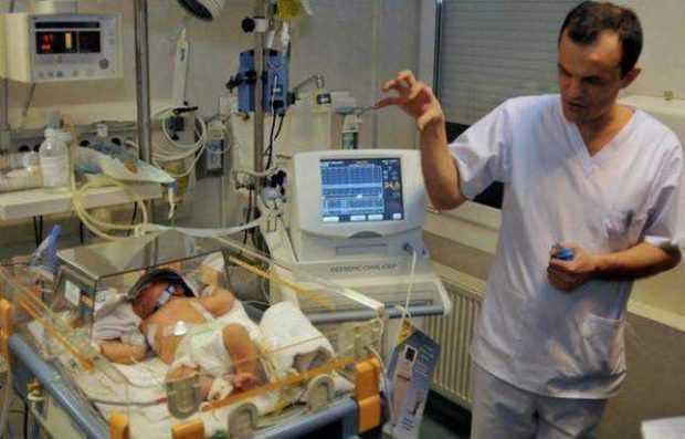 Cazul bebelusilor infectaţi din Argeş: cinci sunt în continuare în stare gravă, doi respiră cu ajutorul aparatelor 6