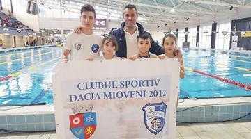 Doi înotători din Mioveni, în primii zece la un concurs internaţional desfăşurat în Ungaria 4