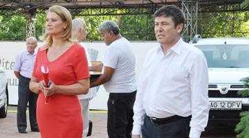 """Mircea Andrei a devoalat """"mafia roşie în halate albe"""" şi faptul că Tecău şi-a numit protejata în trei consilii de administraţie 7"""