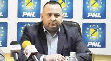 """Narcis Sofianu, candidatul PNL la fotoliul lui Pendiuc: """"În loc să betonăm spaţiile verzi ar trebui construite locuri de joacă în Piteşti"""" 5"""