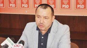 Deputatul PSD Cătălin Rădulescu a măturat pe jos cu doi miniştri 5
