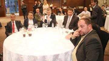 Mircea Andrei dă şah PSD-ului. L-a adus în PAM pe edilul de Curtea de Argeş, iar el va candida pentru Primăria Piteşti 7