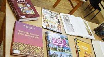 Secţia Religie-Audiţii Muzicale a Bibliotecii Judeţene Argeş îşi aşteaptă cititorii 4