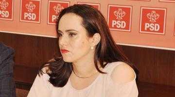 """Simona Bucura-Oprescu: """"Susţinerea familiei este o prioritate pentru mine ca parlamentar"""" 5"""