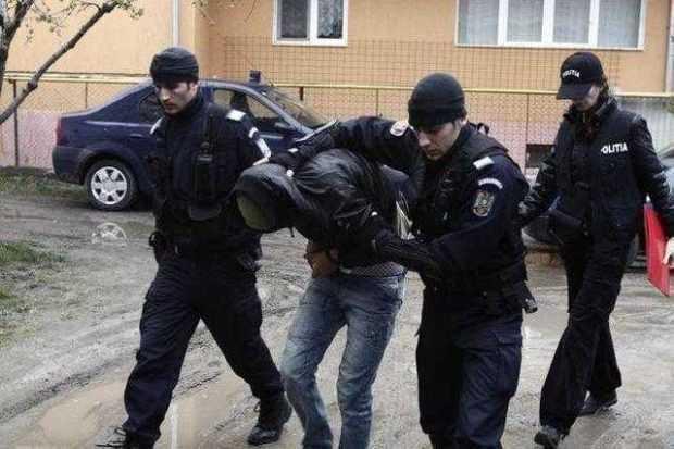 30 de zile de arest preventiv pentru băiatul afaceristului din Curtea de Argeș care a bătut și jefuit o vânzătoare 5