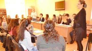Atelier de scriere creativă  la Centrul Europe Direct Argeş 6
