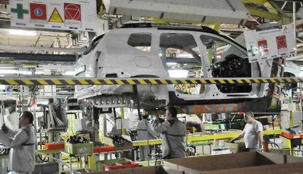 Nemţii spun că şi Dacia ridică suspiciuni privind emisiile poluante 6