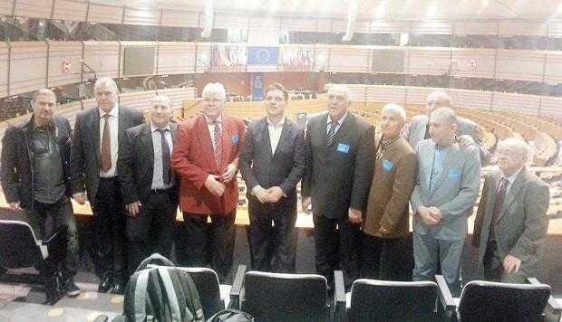 Argeşenii Radu II şi Ilie Bărbulescu au fost invitaţi la Bruxelles 7