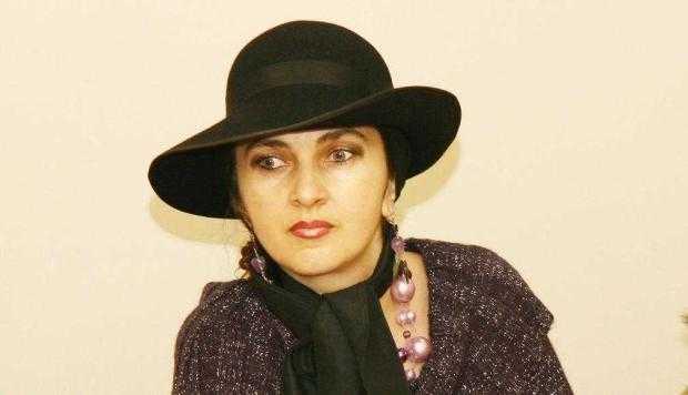"""Poeta Cristina Onofre: """"Scriu cu lumină în suflet, îmi iubesc personajele, fie că sunt frunze, iarbă sau oameni"""" (II) 5"""