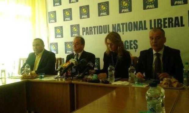 """Alina Gorghiu: """"Vom avea discuţii după alegeri şi cu Mircea Andrei"""" 4"""