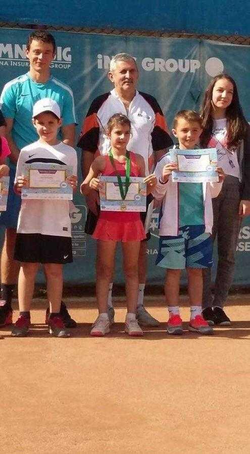 Două medalii pentru CS Dacia Mioveni 2012 la tenis de câmp 4