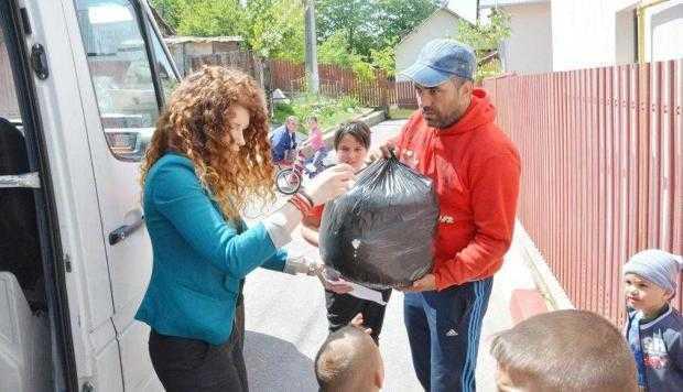 7 familii din Mioveni au avut un Paşte mai bogat 5