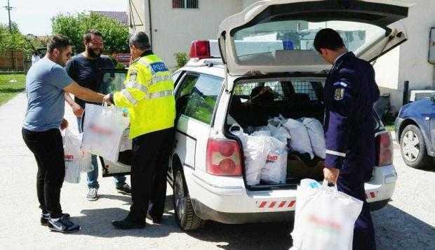 Poliţiştii argeşeni le-au dus daruri copiilor de la Centrul Filofteia 5