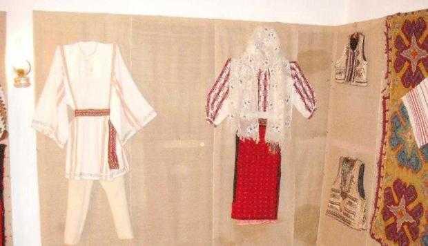 Muzeul etnografic al satului Galeş din comuna Brăduleţ 4
