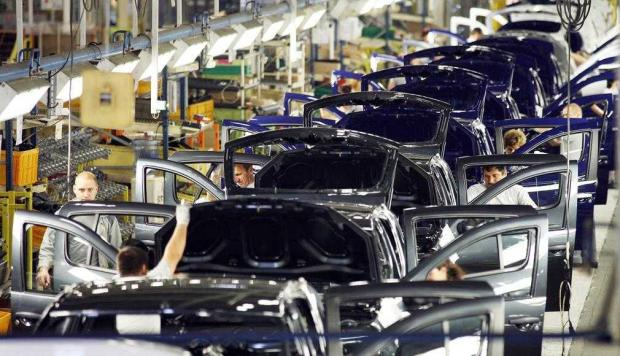Dacia, cifră de afaceri record în 2015: 4,3 miliarde euro! 3