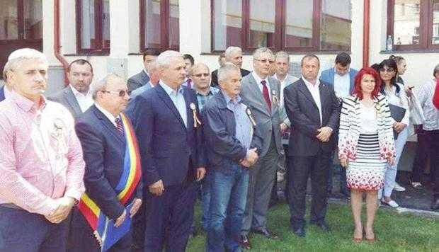 """Liviu Dragnea a venit la inaugurarea lucrărilor de modernizare a şcolii """"Virgil Calotescu"""" din Bascov 7"""