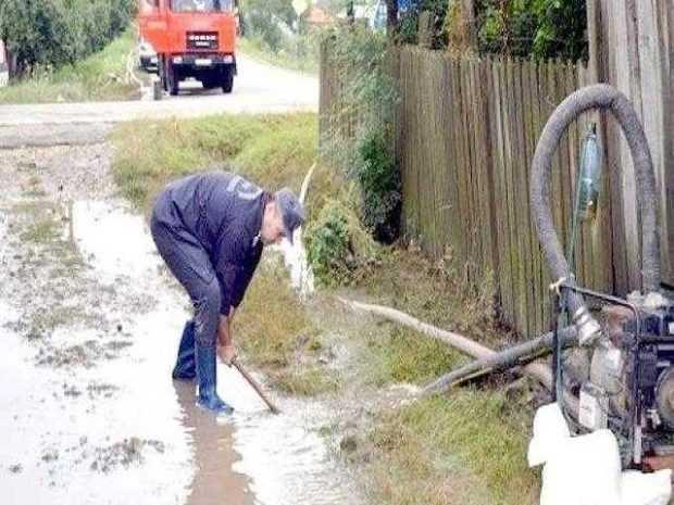 Grindina și ploaia au făcut prăpăd la Berevoiești 4