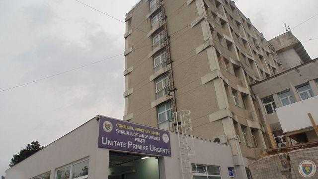 Medicii de la Spitalul Județean intră în săli doar cu pacienții care au nevoie urgentă de operații 5