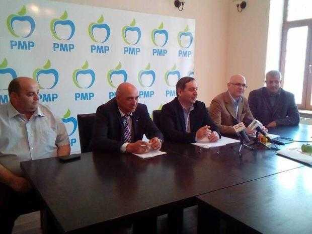 Liderul PMP Argeș, Cătălin Bulf, a ieșit în fața presei cu cei mai importanți candidați la locale 3
