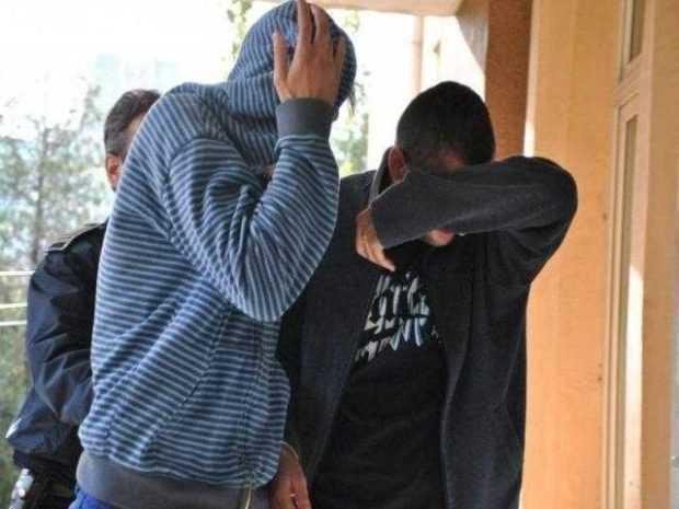 Doi polițiști argeșeni, reținuți pentru conflict de interese 2