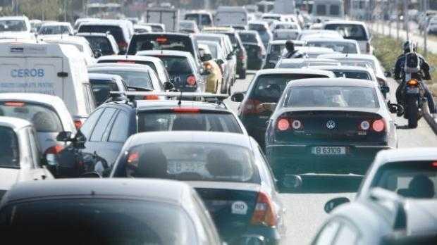 Este restricţionată circulaţia pe banda a doua a autostrăzii București-Pitești 5