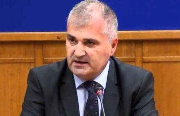 Consiliul Judeţean, mediator între Automobile Dacia şi Universitatea Piteşti 2