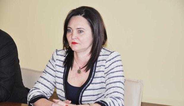 Directoarea Aida Enache a pus plăcuţe anti-şpagă la Comisia de expertiză a Casei de Pensii 6