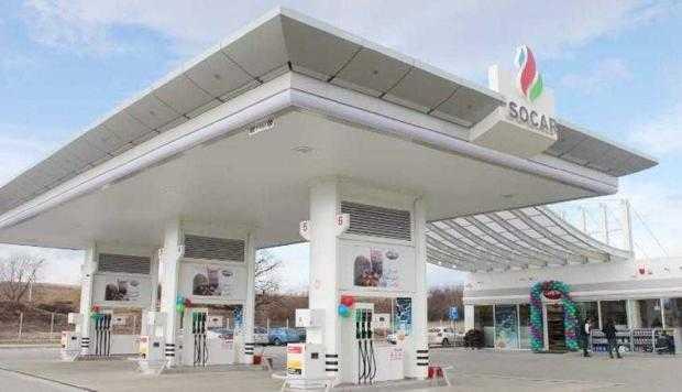 Azerii de la SOCAR au benzinărie în buricul Piteştiului 6